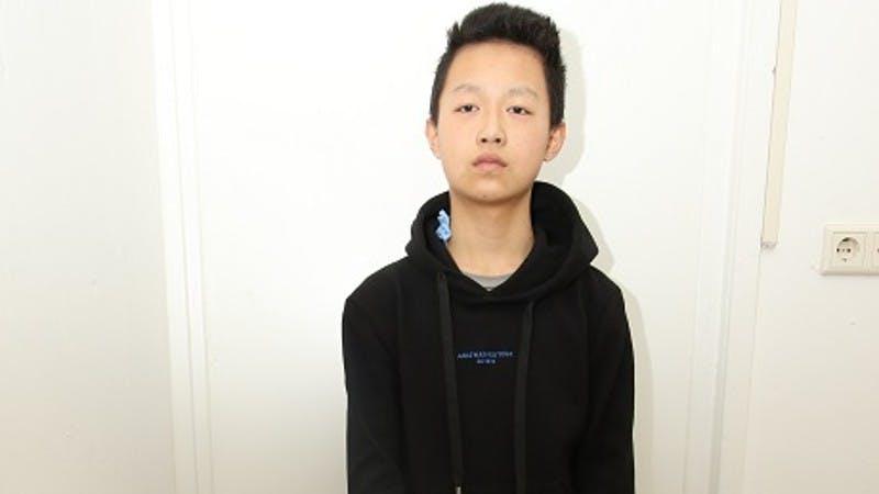 Politie deelt foto van aangetroffen jongen: wie herkent hem?