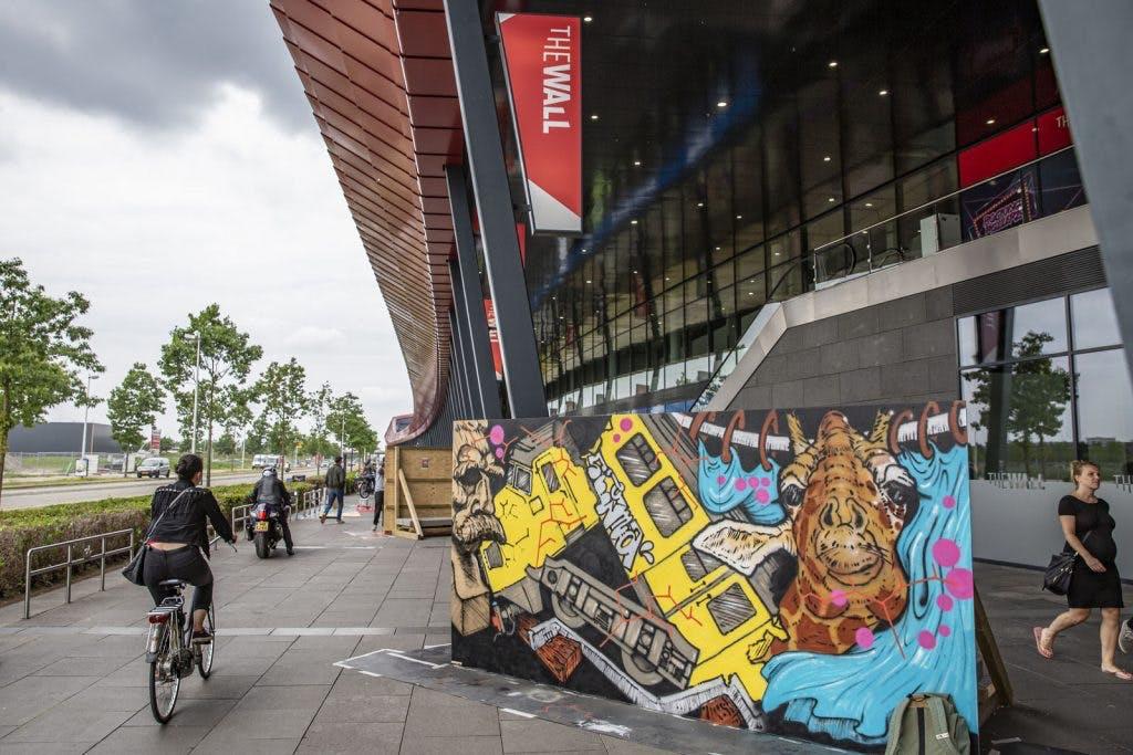 Foto's: Kunstwerken geven The Wall meer kleur