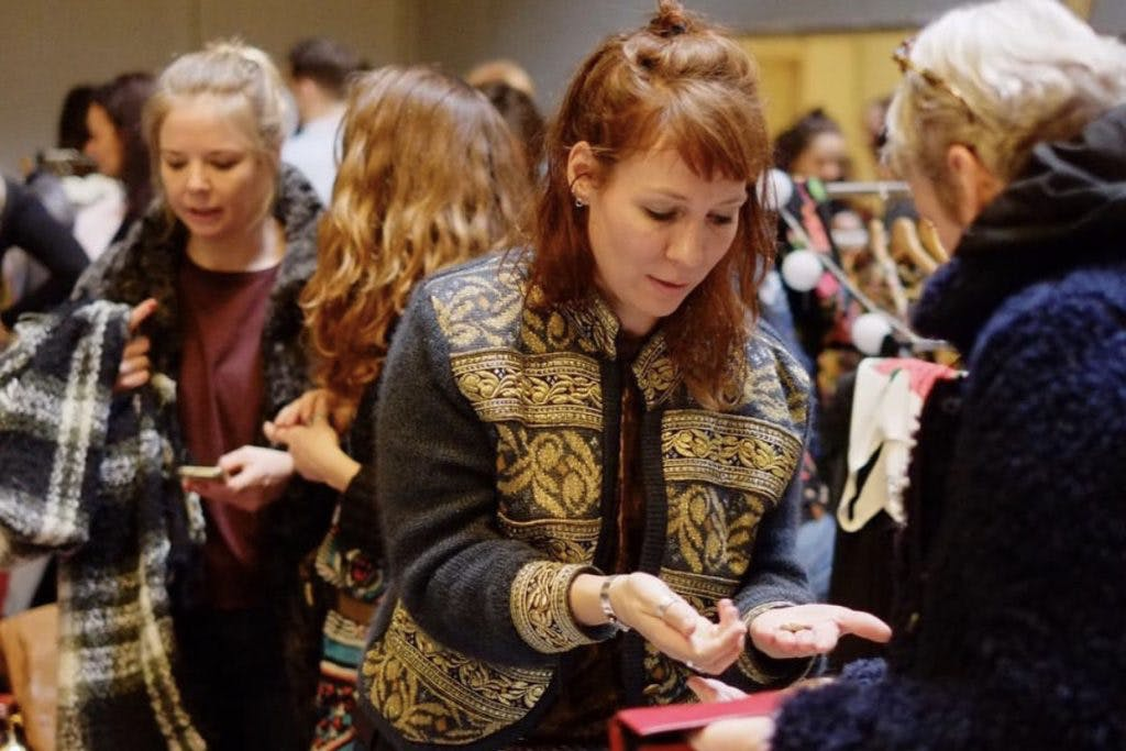 Dagtip: Grote vintage kledingmarkt 'FRIS' bij Filmcafé