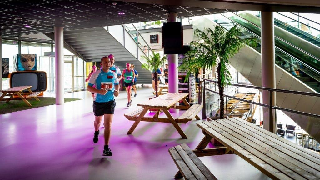 Buiten openingstijden hardlopen door gevangenis de LiK, TivoliVredenburg en het Muntgebouw
