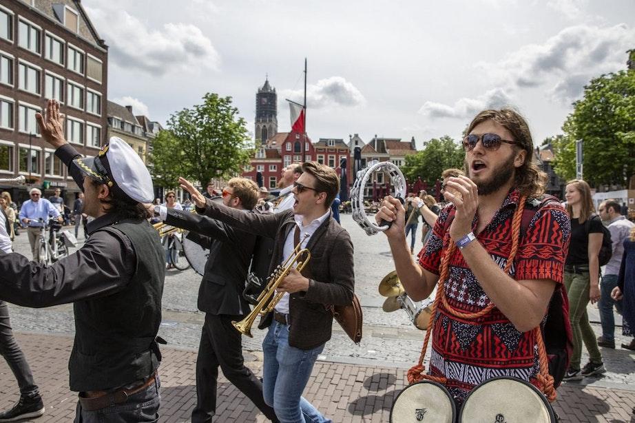 Foto's: Klein New Orleans start met muzikale parade door de stad