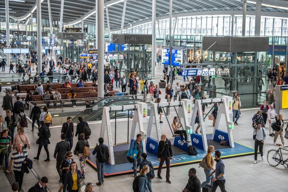 Schommels krijgen vaste plek op station Utrecht Centraal