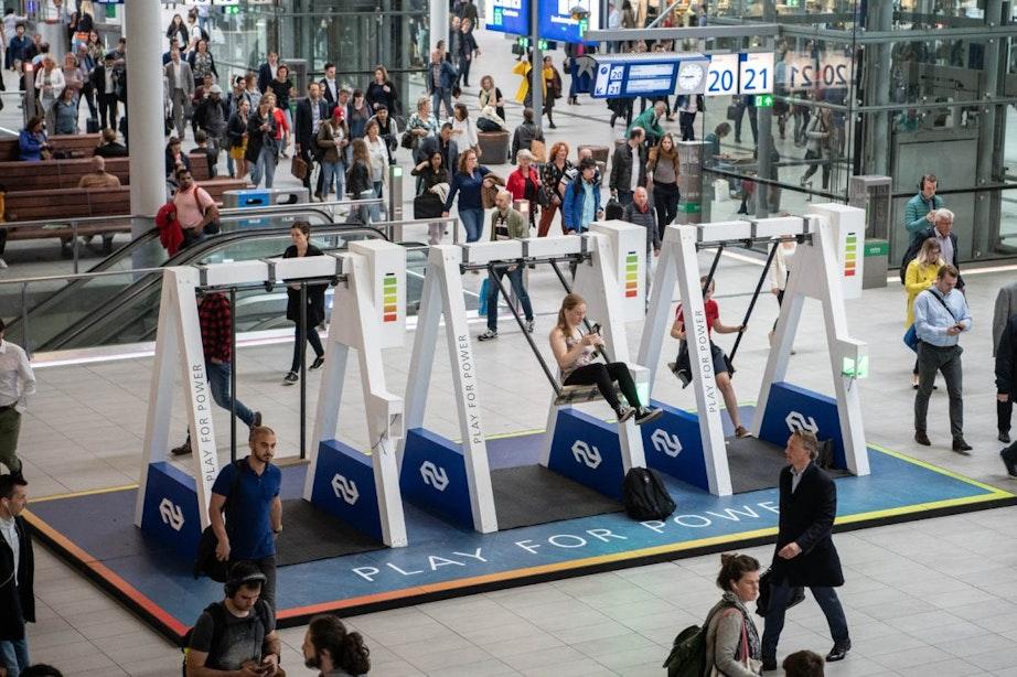 Schommels op Utrecht Centraal en afvalbakken worden plantenbakken
