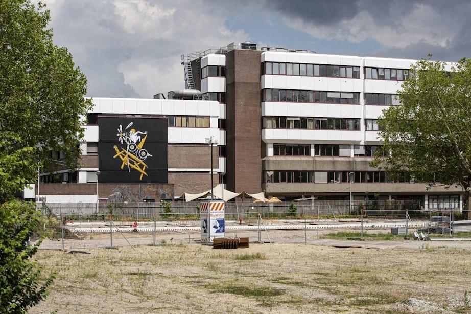 Utrecht is nieuwe muurschildering van De Strakke Hand rijker