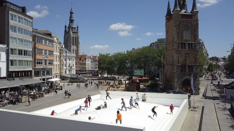 Utrecht krijgt een groot springmatras van 14 bij 20 meter