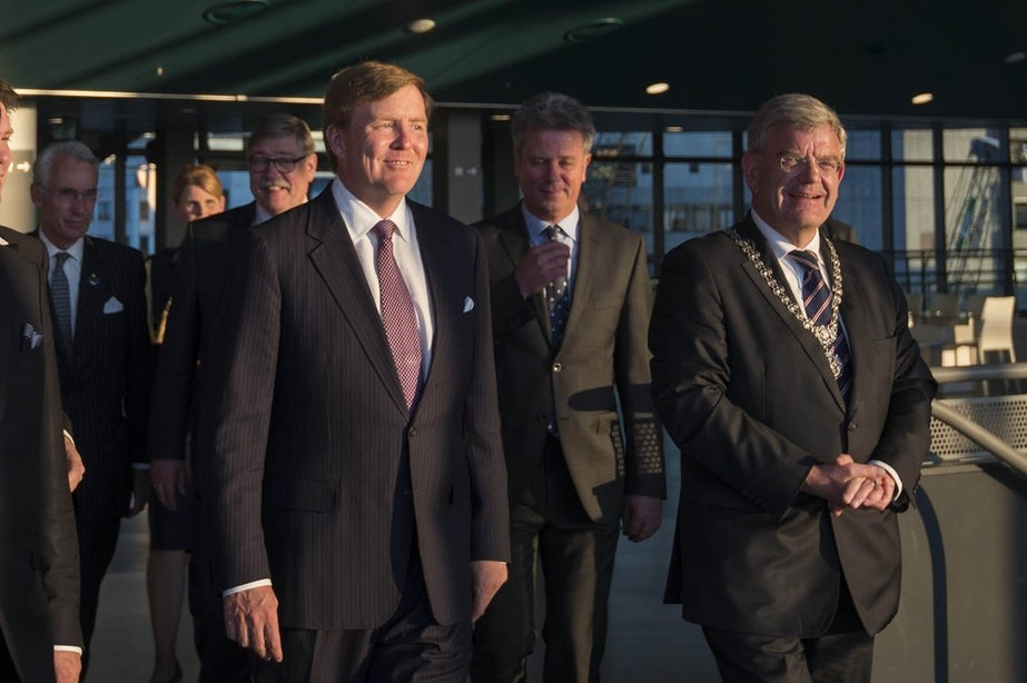 Utrechtse Geuzenwijk krijgt onverwachts bezoek van koning Willem-Alexander
