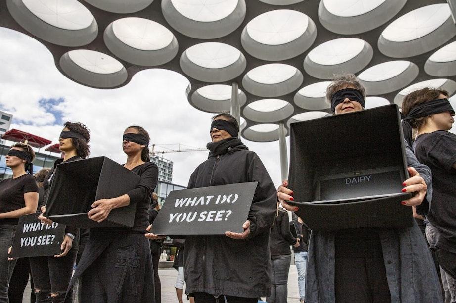 Protest voor dierenwelzijn op het Stationsplein