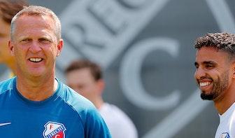 FC Utrecht werkt onder massale belangstelling eerste training af