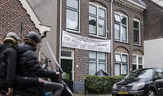 Protestactie tegen verkoop sociale huurwoningen Oosterbuurt