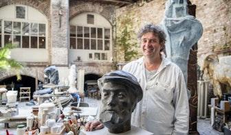 De stadsbeeldhouwer van Utrecht was een ambachtsman: 'Hij was altijd bezig'