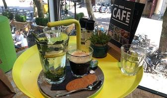 Jette & Jildou drinken koffie in het ANWB Café: 'Vakantieplannen smeden'