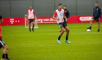 Justin Hoogma lijkt te debuteren voor FC Utrecht in thuisduel met PEC Zwolle