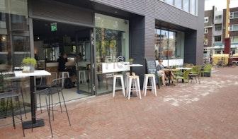 Jette en Jildou drinken koffie bij FIG: Fit worden met klimtouwen en haverkoffie