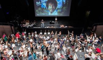 Grote popzaal TivoliVredenburg vol met Bob Ross-liefhebbers
