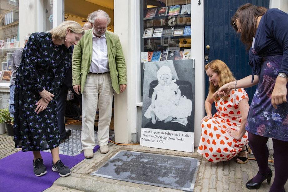 Gedenksteen voor initiatiefnemer van De Stijl Theo van Doesburg