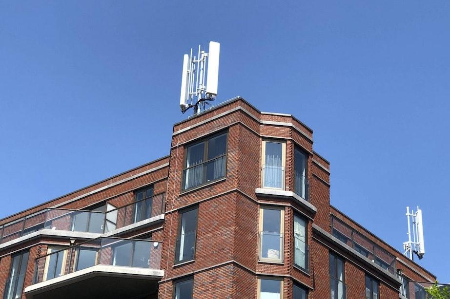 Discussie over metershoge antennemasten op gebouw Leidsche Rijn Centrum