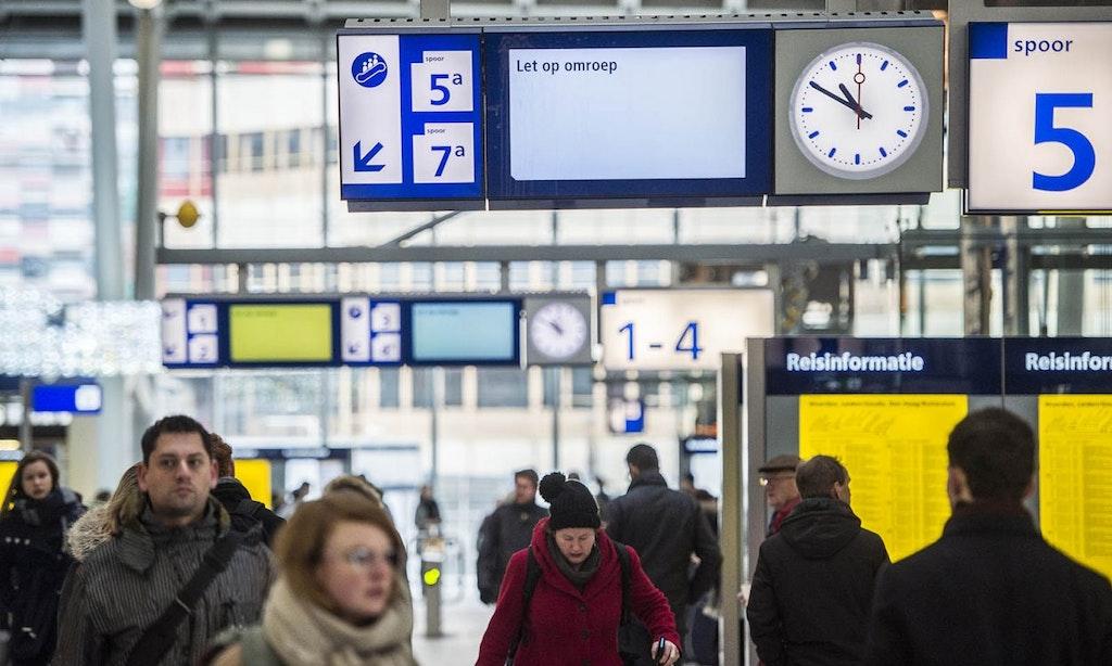 Nieuwe omroep op station Utrecht Centraal: 'Loop je even door'