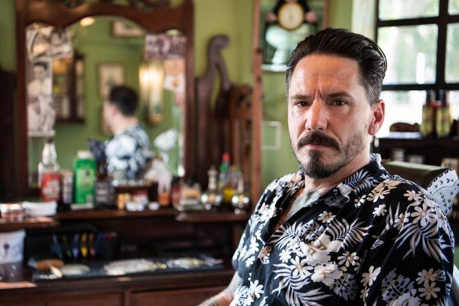 Op bezoek bij barbershop Monsieur Moustache: 'Ik ben meer van de traditionele kapsels'