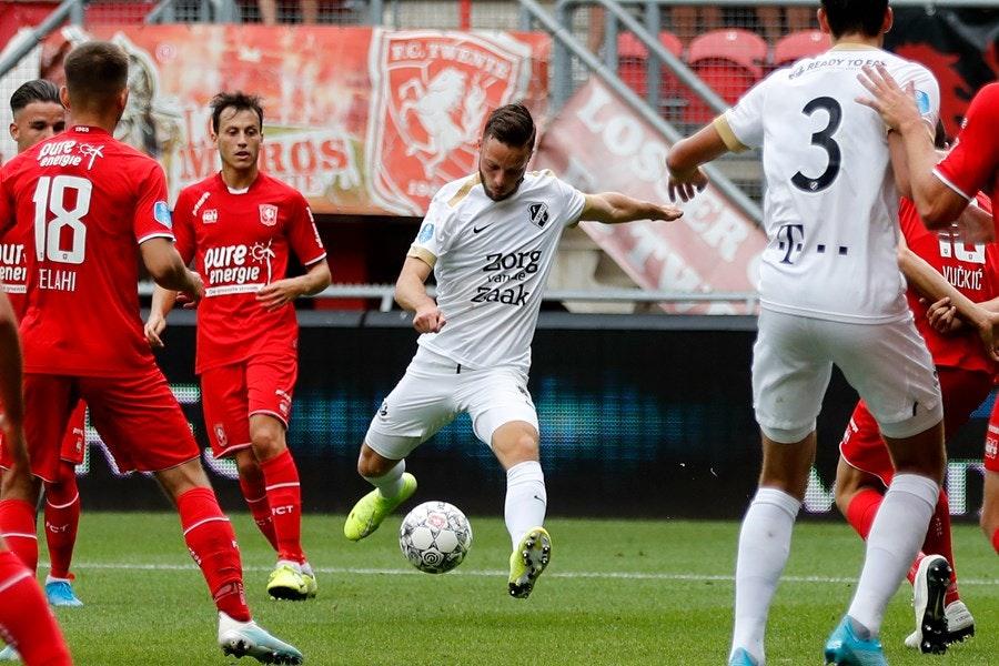 Futloos FC Utrecht blameert zich in uitduel met FC Twente