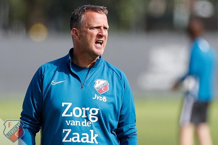 FC Utrecht start tegen FC Emmen met Mark van der Maarel en Adrían Dalmau