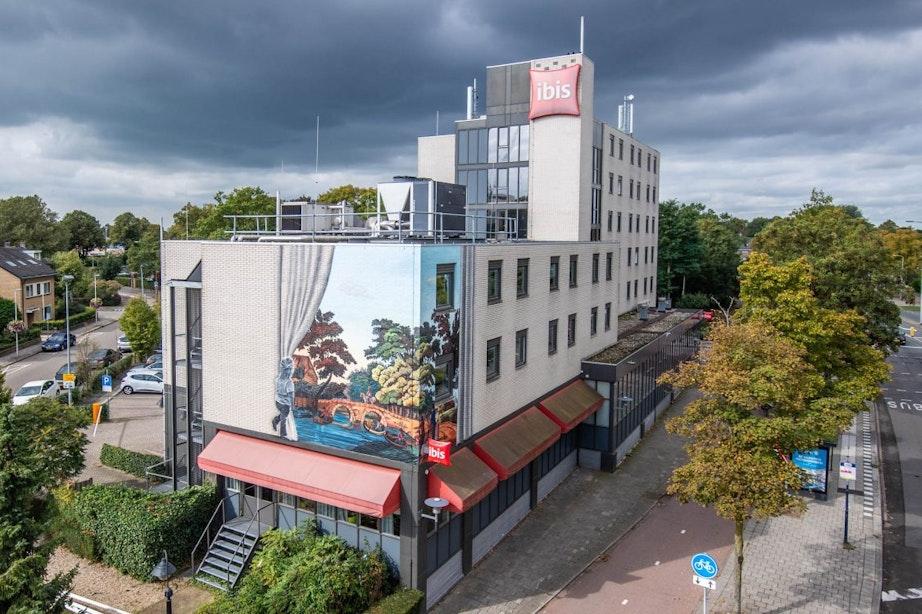 Muurschildering geeft doorkijkje naar historisch Den Hommel