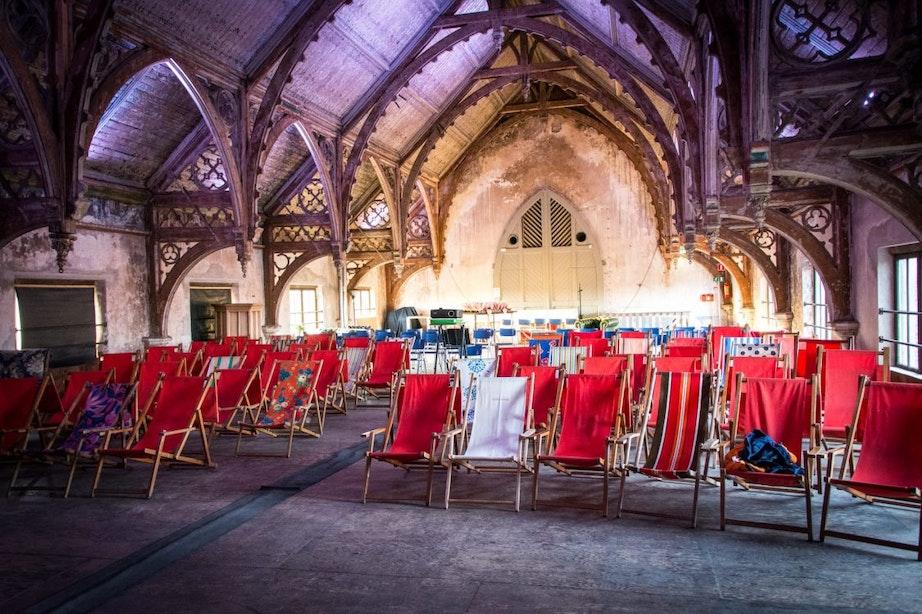 Dagtip: Film kijken in de Metaal Kathedraal met Hoogt on Tour