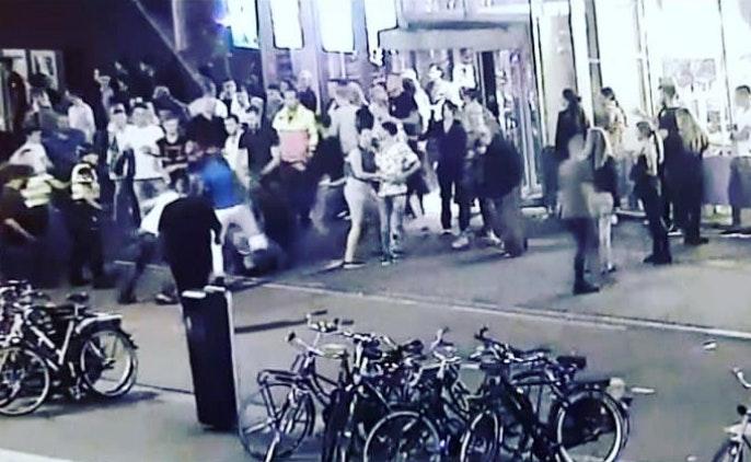 Politie toont beelden vechtersbazen en massale vechtpartij Vunzige Deuntjes