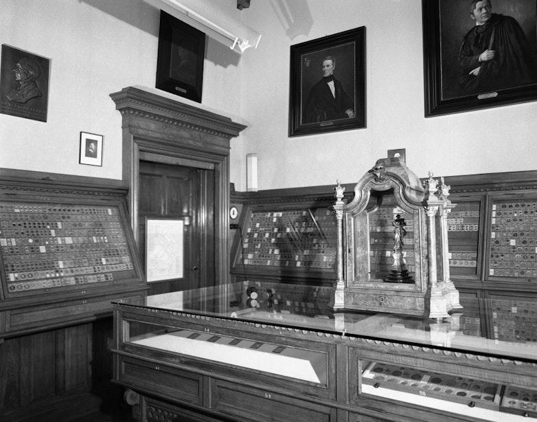 Verdwenen musea: het Muntmuseum aan de Leidseweg