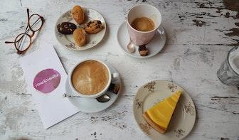 Jette en Jildou drinken koffie bij rose&vanilla