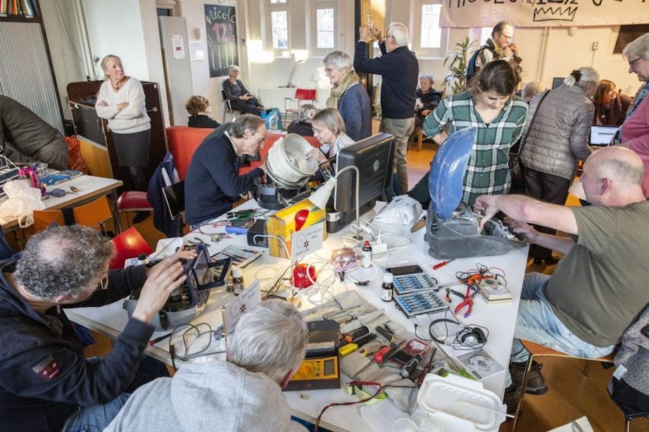 Bij het Repair Café Utrecht krijgen de meeste spullen een tweede leven