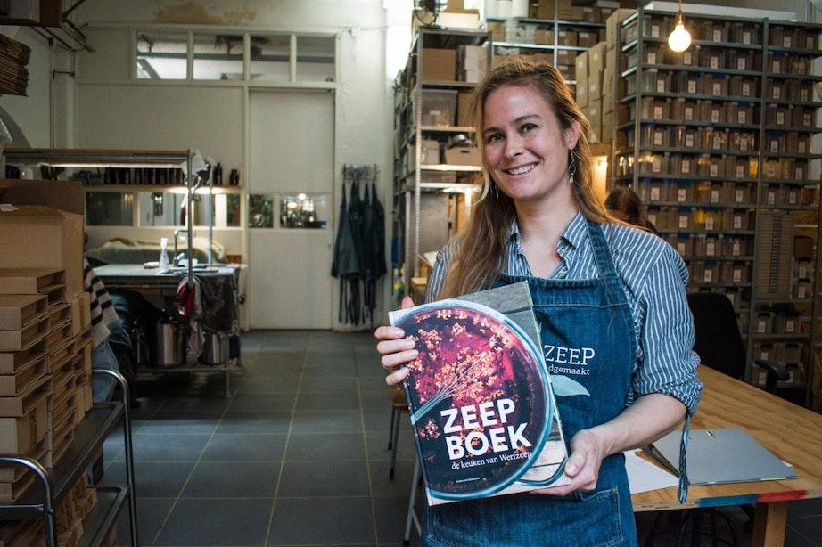 Utrechtse zeepzieder deelt geheimen in Zeepboek