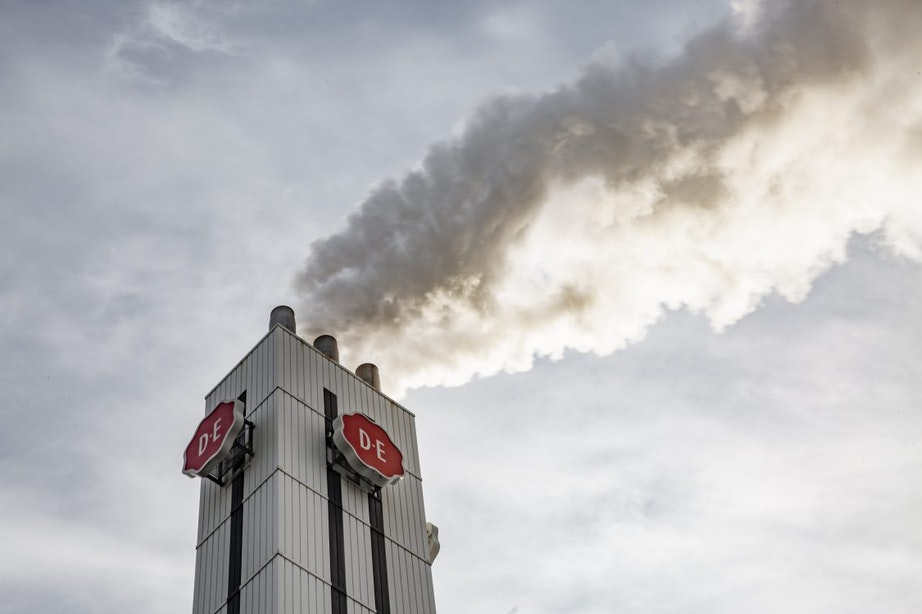 Douwe Egbertsfabriek in Utrecht ontruimd na brand in koffieovens