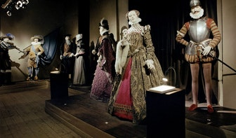 Verdwenen musea: Historisch Kostuum Museum aan de Loeff Berchmakerstraat