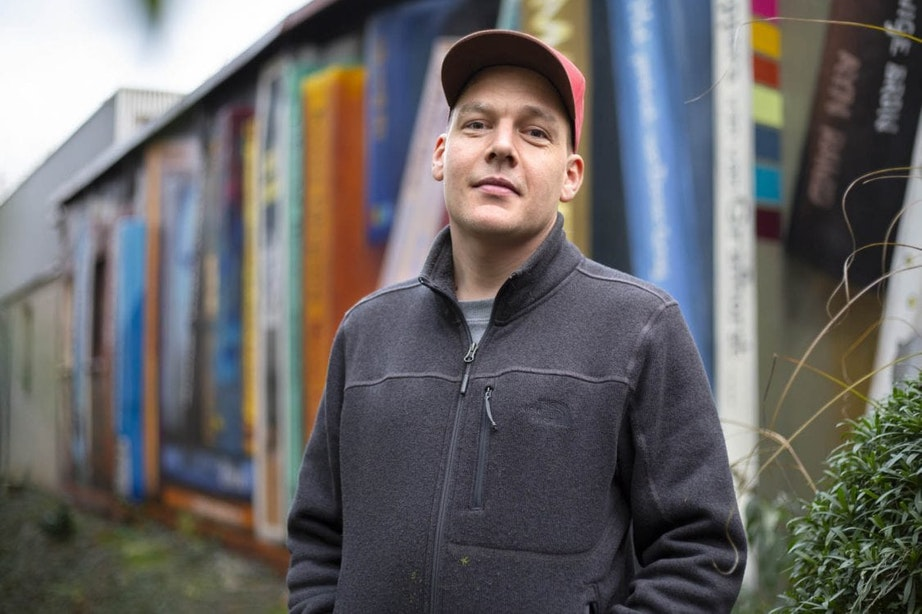Kunstenaar JanIsDeMan roept voor nieuwe muurschildering hulp in van Utrechters