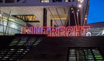 'Christmas in Utrecht' in rode letters op Stadsplateau