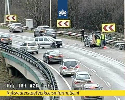 Varkensbocht knooppunt Rijnsweerd dicht na ongeval.