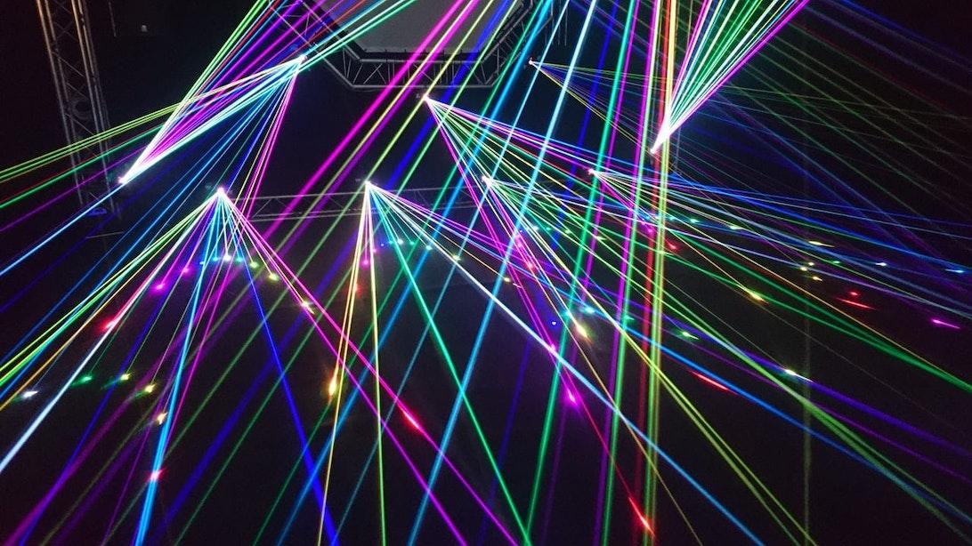 Dagtip: Lasergamen en acht uur lang trance en disco in het Filmcafé