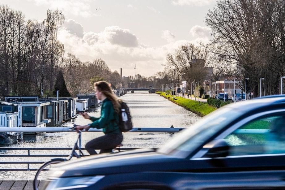 Gemeente Utrecht koopt woonboten op om bruggen over Merwedekanaal mogelijk te maken