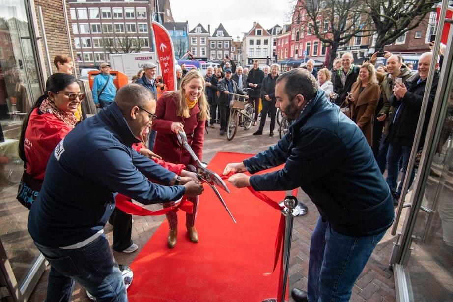 Fietsenstalling met 720 plekken in monumentaal postkantoor in Utrecht geopend