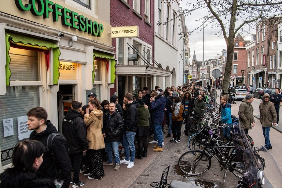 Coffeeshops mogen weer open voor afhalen wiet en hasj