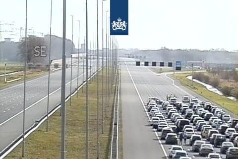 Lange files tussen Utrecht en Amsterdam vanwege brandende vrachtwagen