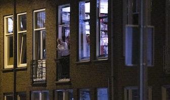 Utrechters applaudisseren voor medewerkers in de zorg en andere vitale beroepen
