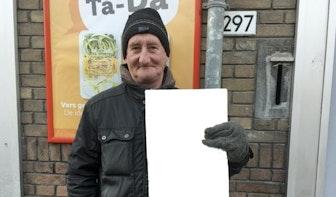 Utrechtse dichter verzint plan om werkloze straatnieuwsverkopers te helpen