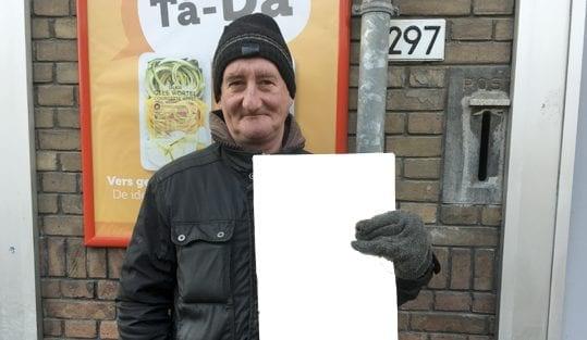 Utrechtse straatnieuwsverkopers die nu zonder werk zitten krijgen doorbetaald