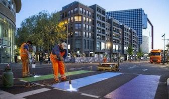 Foto's: Utrechts regenboogzebrapad Lange Viestraat in ere hersteld