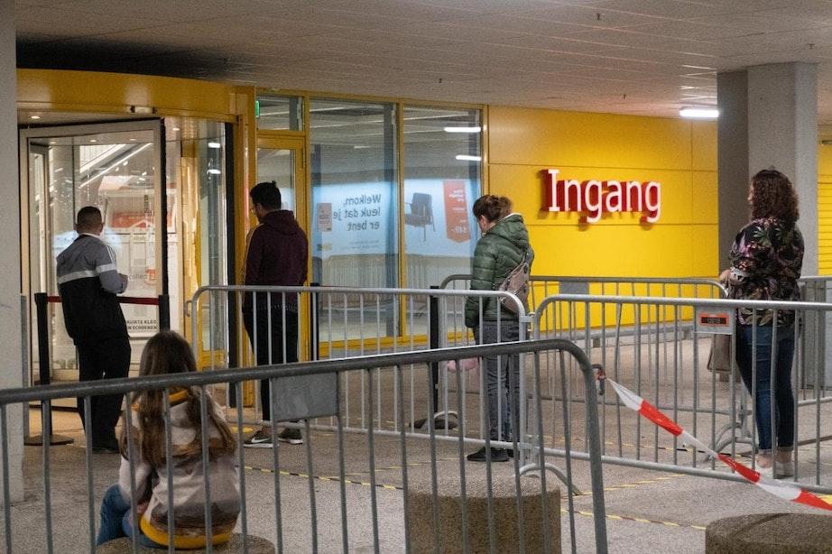 Lange rijen bij opening IKEA in Utrecht