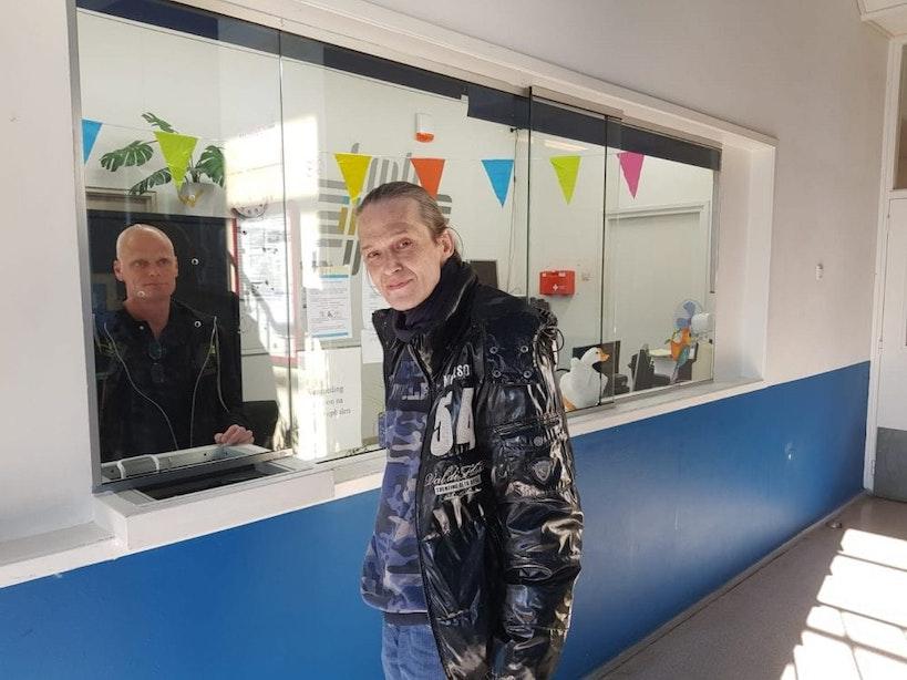 28 Straatnieuws-verkopers krijgen eerste compensatie