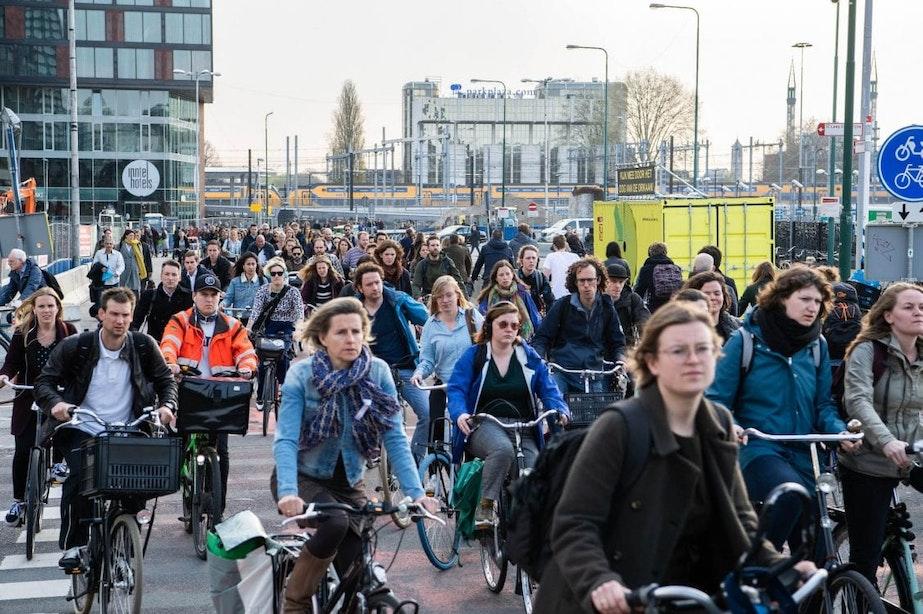 Utrechters moeten auto inruilen voor fiets en deelvervoer: wat komt er kijken bij zo'n gedragsverandering?
