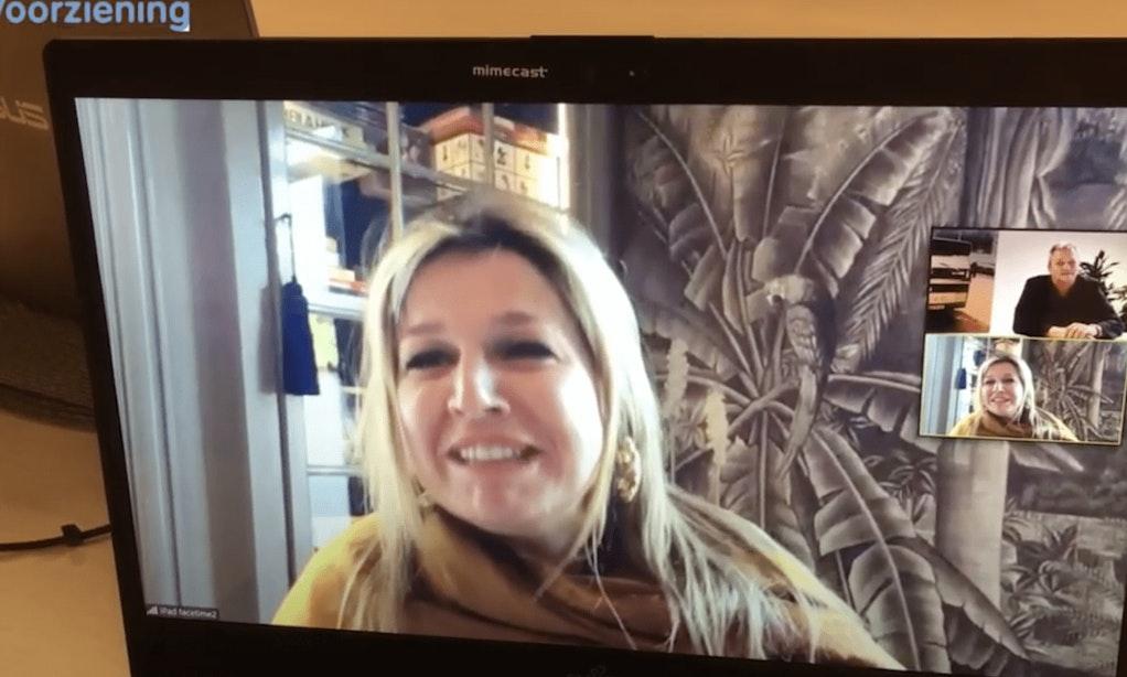 Gasten en begeleiders Tussenvoorziening verrast met videocall van koningin Máxima