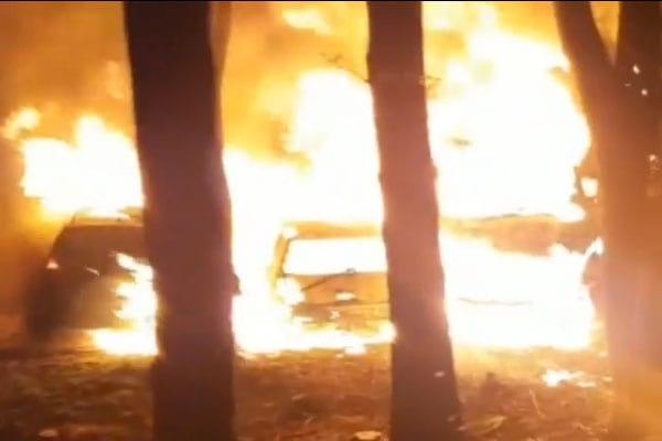 Drie auto's in Leidsche Rijn volledig verwoest door brand
